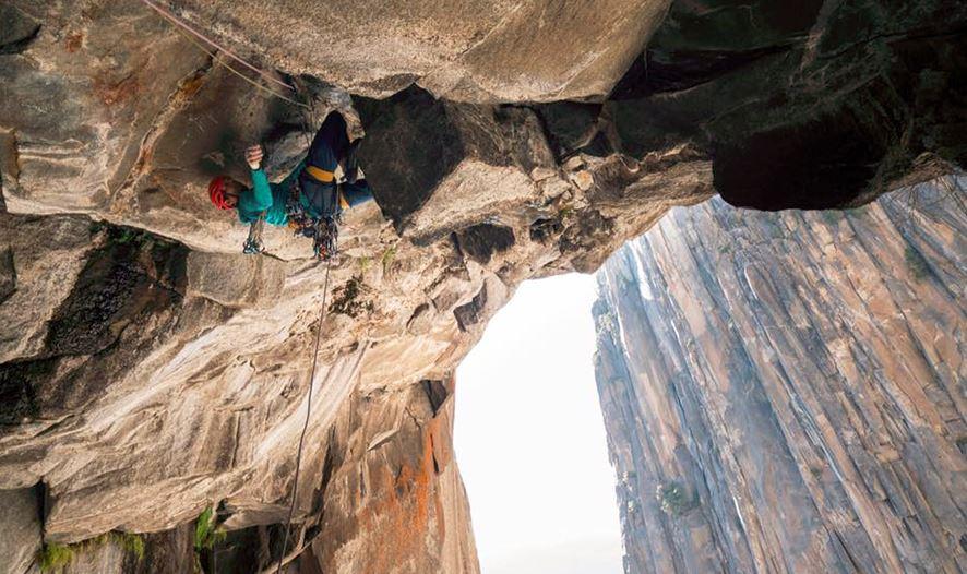 """Photo of """"Eye of Sauron"""": la nuova via trad aperta da Nicolas Favresse nello Yosemite"""