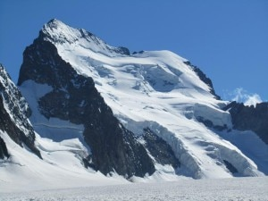 Photo of Valanga sul Dome de Neige: 7 alpinisti morti
