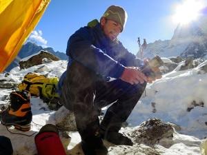 Photo of Nepal, alpinista muore dopo aver aperto nuova via sul Tawoche