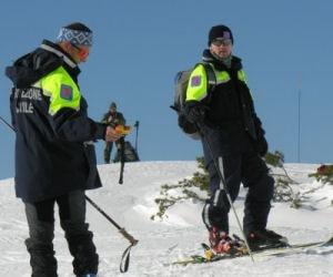 Photo of Neve, valanghe e ARVA: su le orecchie!