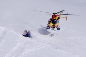 Photo of Valanga travolge snowboarder, grave in ospedale