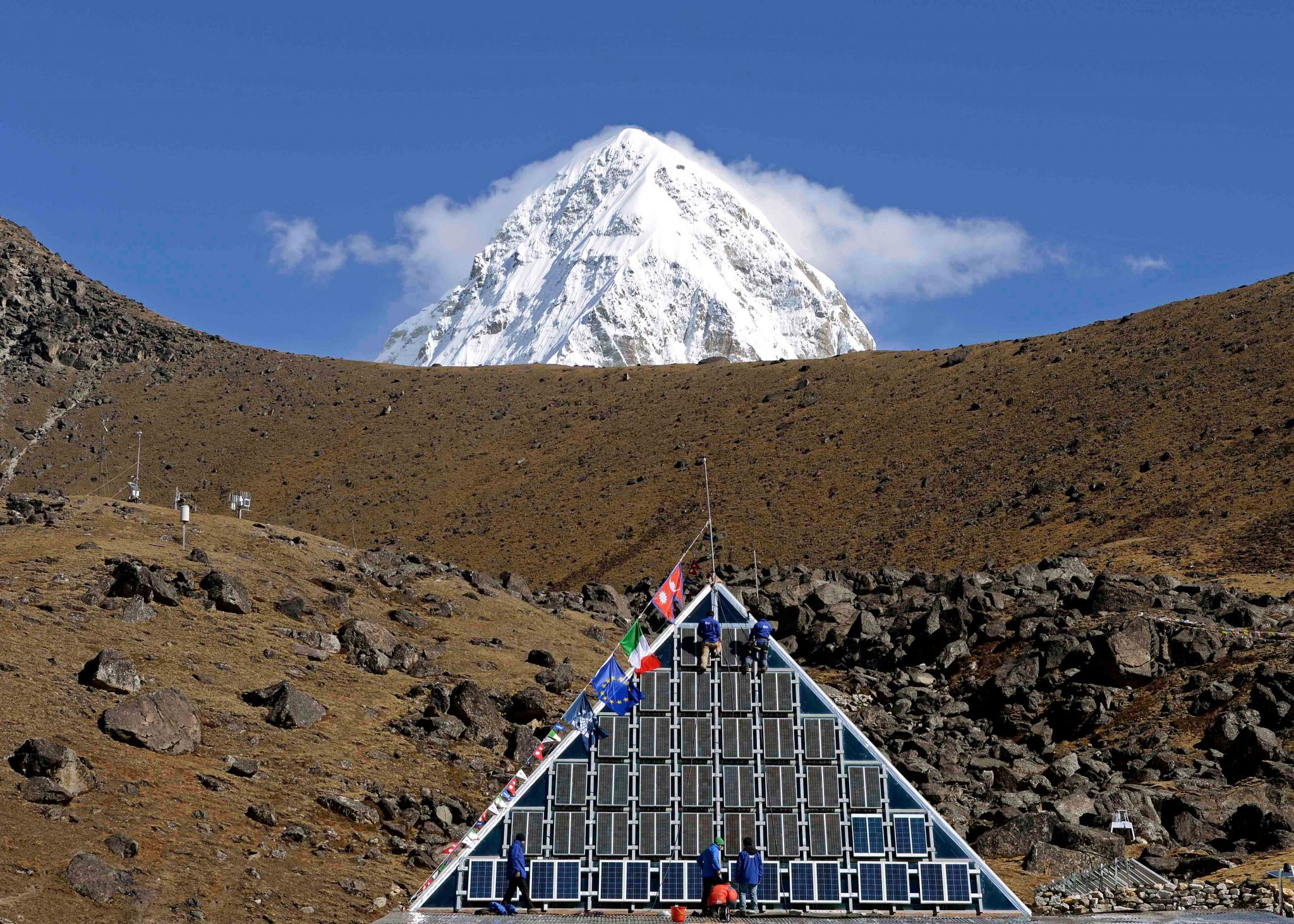 Photo of Vivere alla Piramide dell'Everest ai tempi del Covid