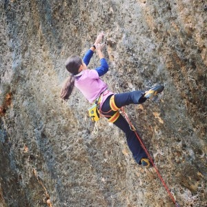 Photo of Angie Scarth-Johnson ad 11 anni risolve Speed Baby 8b+
