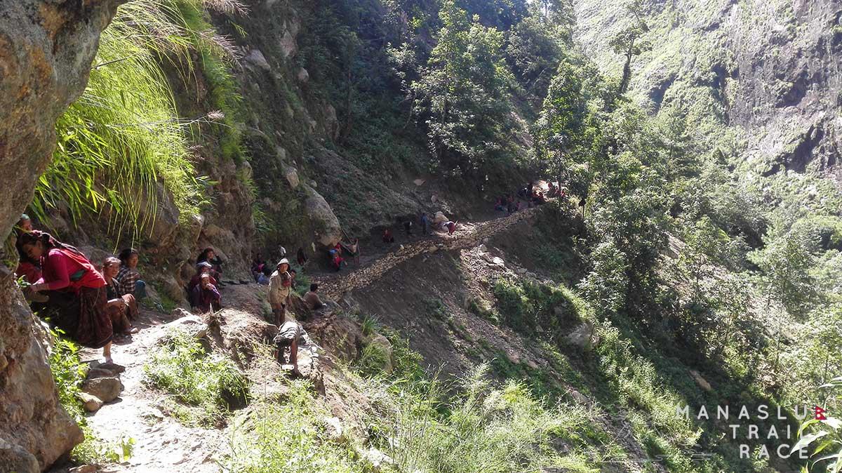 Photo of Manaslu Circuit Trek, i locali chiedono sicurezza dopo il terremoto
