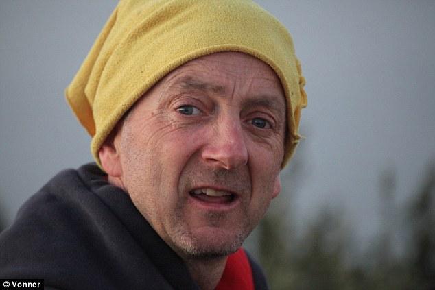 Photo of 18 anni dopo l'incidente che lo paralizza, torna sul Totem Pole in Tasmania
