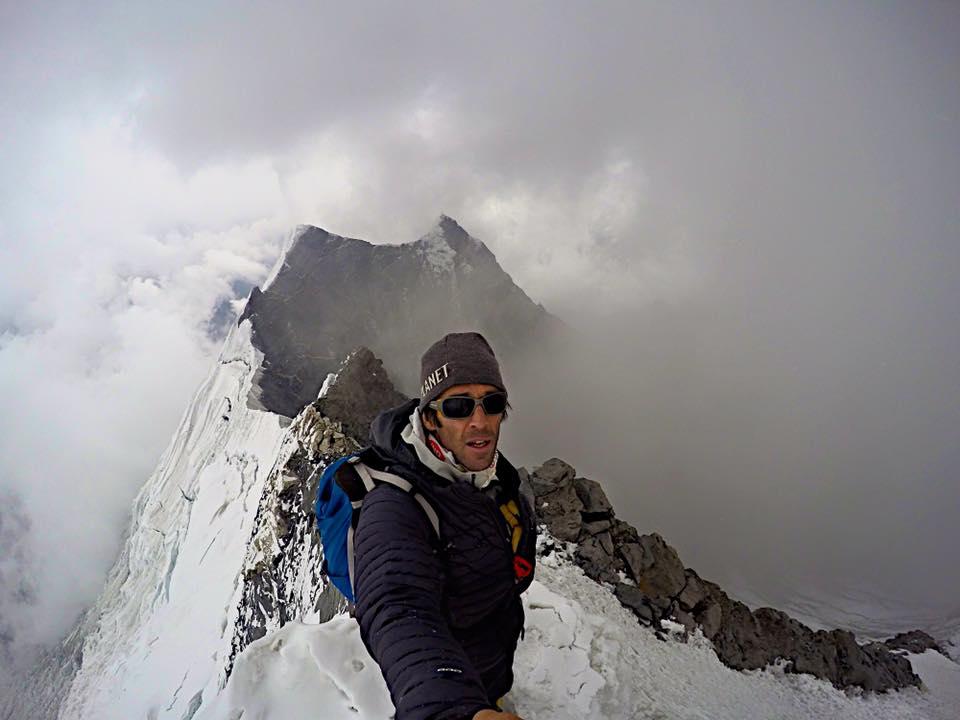 Photo of Hervé Barmasse, in vetta a 6230 m per acclimatarsi