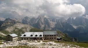 Photo of Quale futuro per i rifugi alpini?