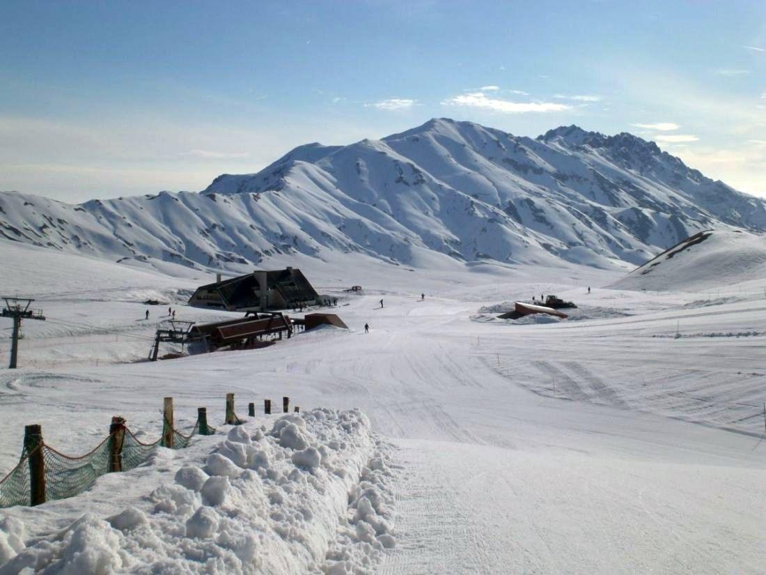 Photo of Lo sci è diventato uno sport d'elite. E la montagna si accorge di aver commesso troppi errori
