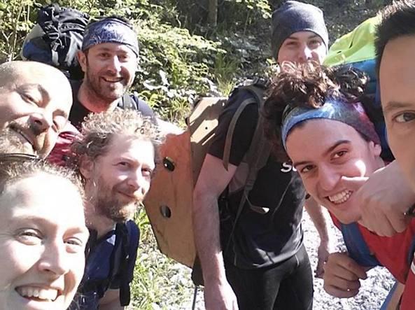 """Photo of Colpito da un fulmine e trovato senza vita: tragedia al """"Trail dei tre Castelli"""""""