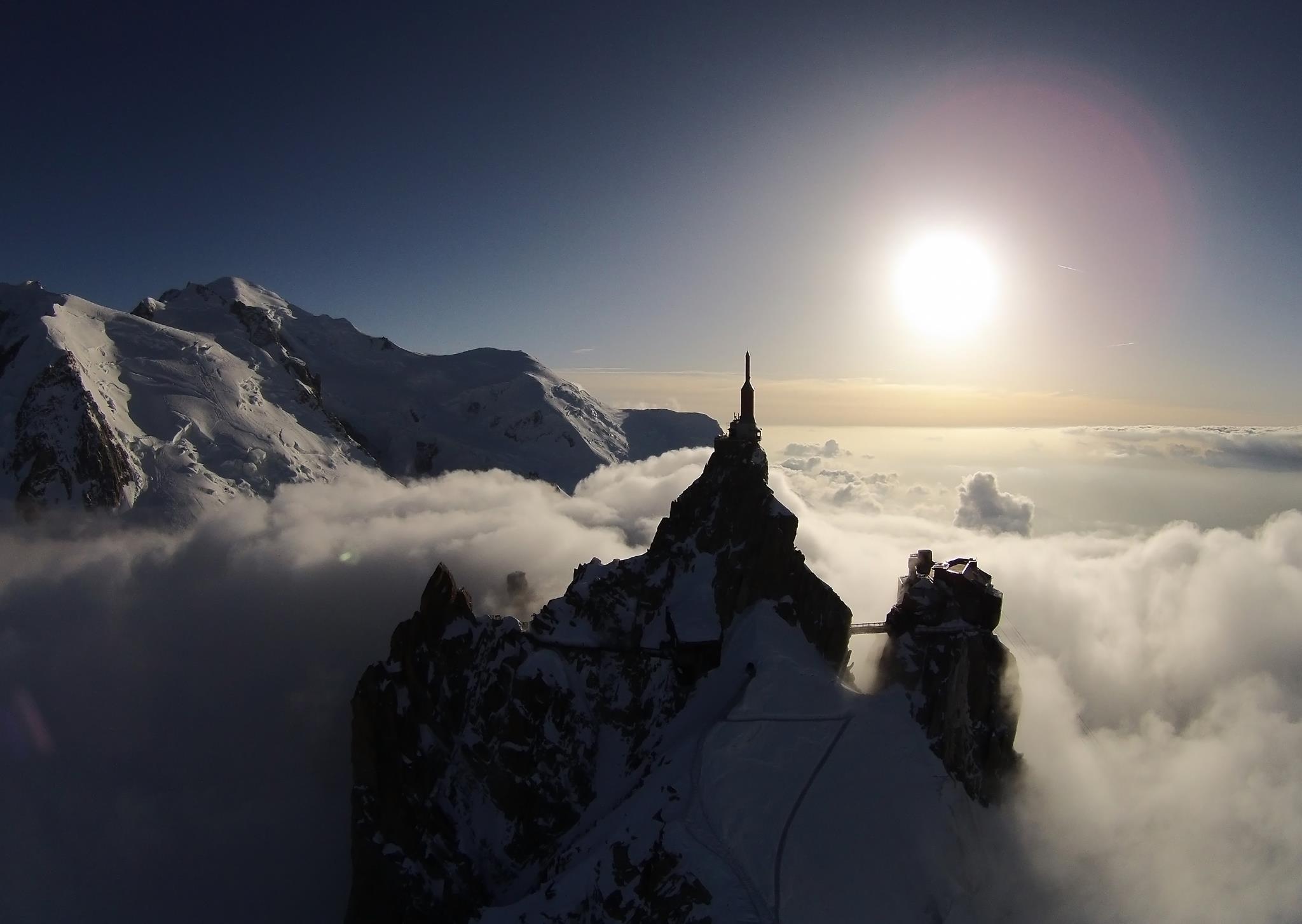 Photo of Chamonix, apre sull'Aiguille du Midi Il Tubo