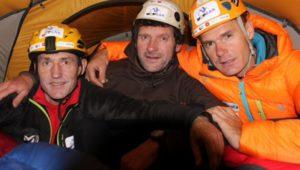 Alberto Iñurrategi, Juan Vallejo e Mikel Zabalza a campo 1 del Paiju Peak. Photo courtesy Desnivel
