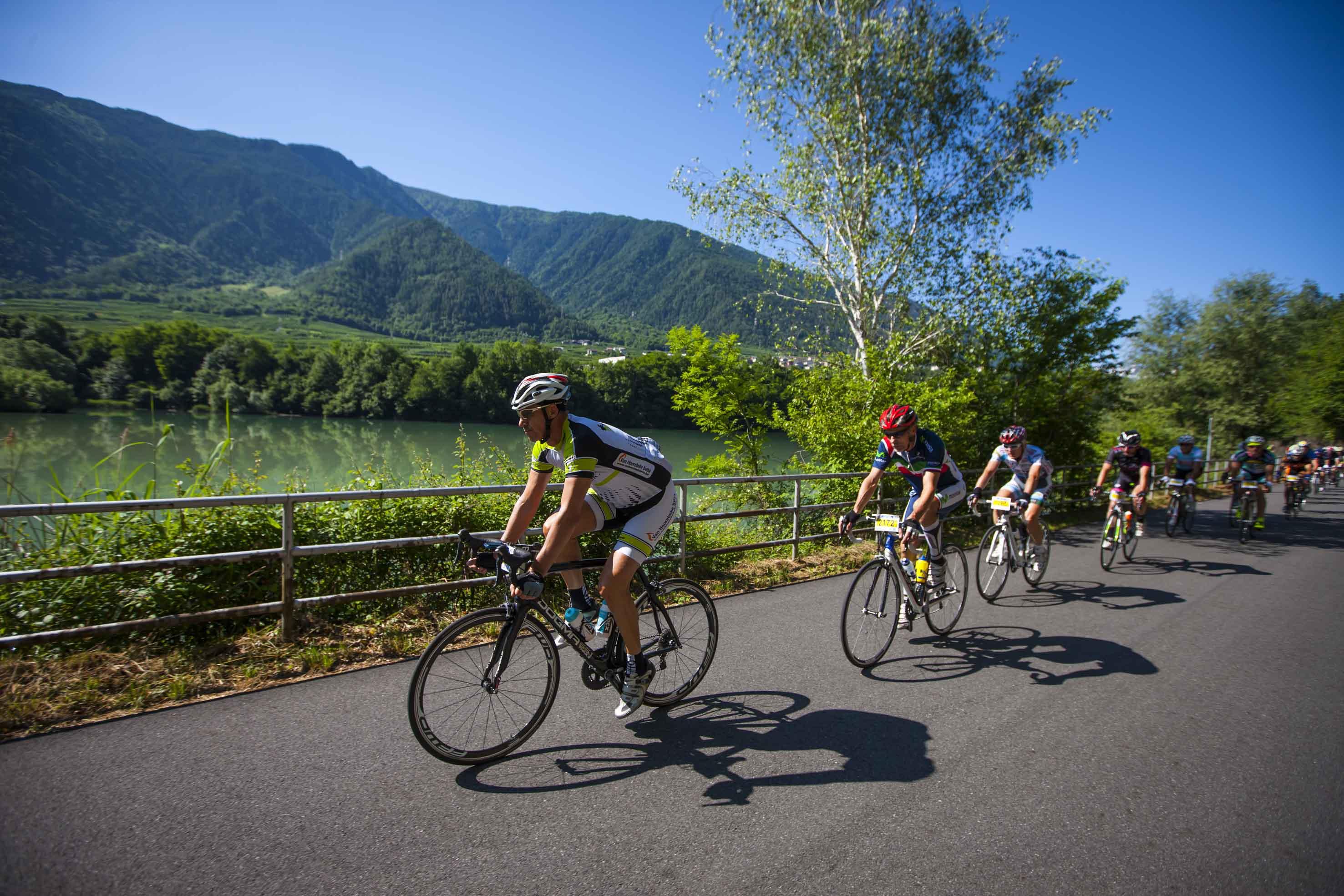Photo of Domani la Granfondo Stelvio Santini: 3.110 ciclisti al via da Bormio a quota 2.758 m
