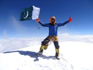 02 Ali DUrani vola sulla cima del K2 foto Tamara Lunger_MGZOOM