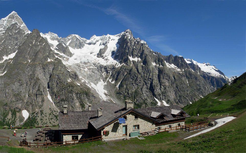 Photo of Montagna e sfaticati, nella classifica National Geographic anche il Rifugio Bonatti