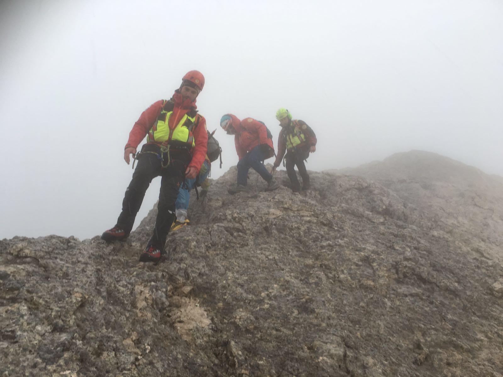 Photo of Marmolada e Pilastro della Tofana di Rozes, salvate due coppie di alpinisti bloccate dalla nebbia