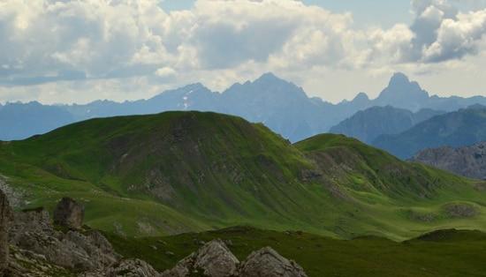 Photo of Legambiente assegna le bandiere verdi e nere alle località montane