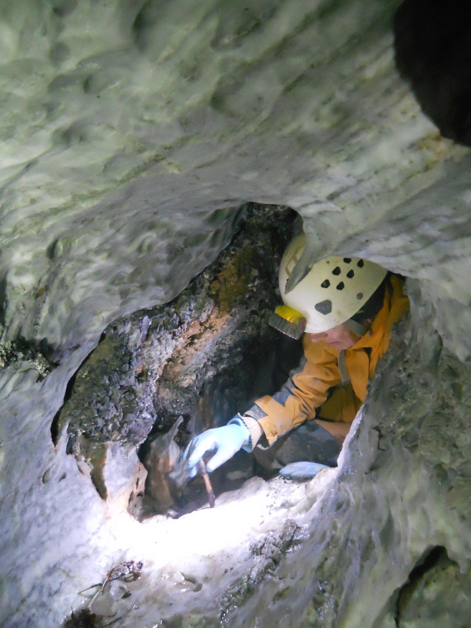 Photo of Scoperta nuova grotta sull'Appennino reggiano