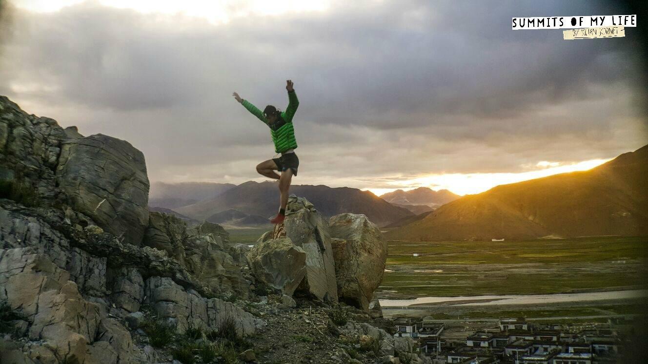 Photo of Killian Jornet di corsa verso l'Everest