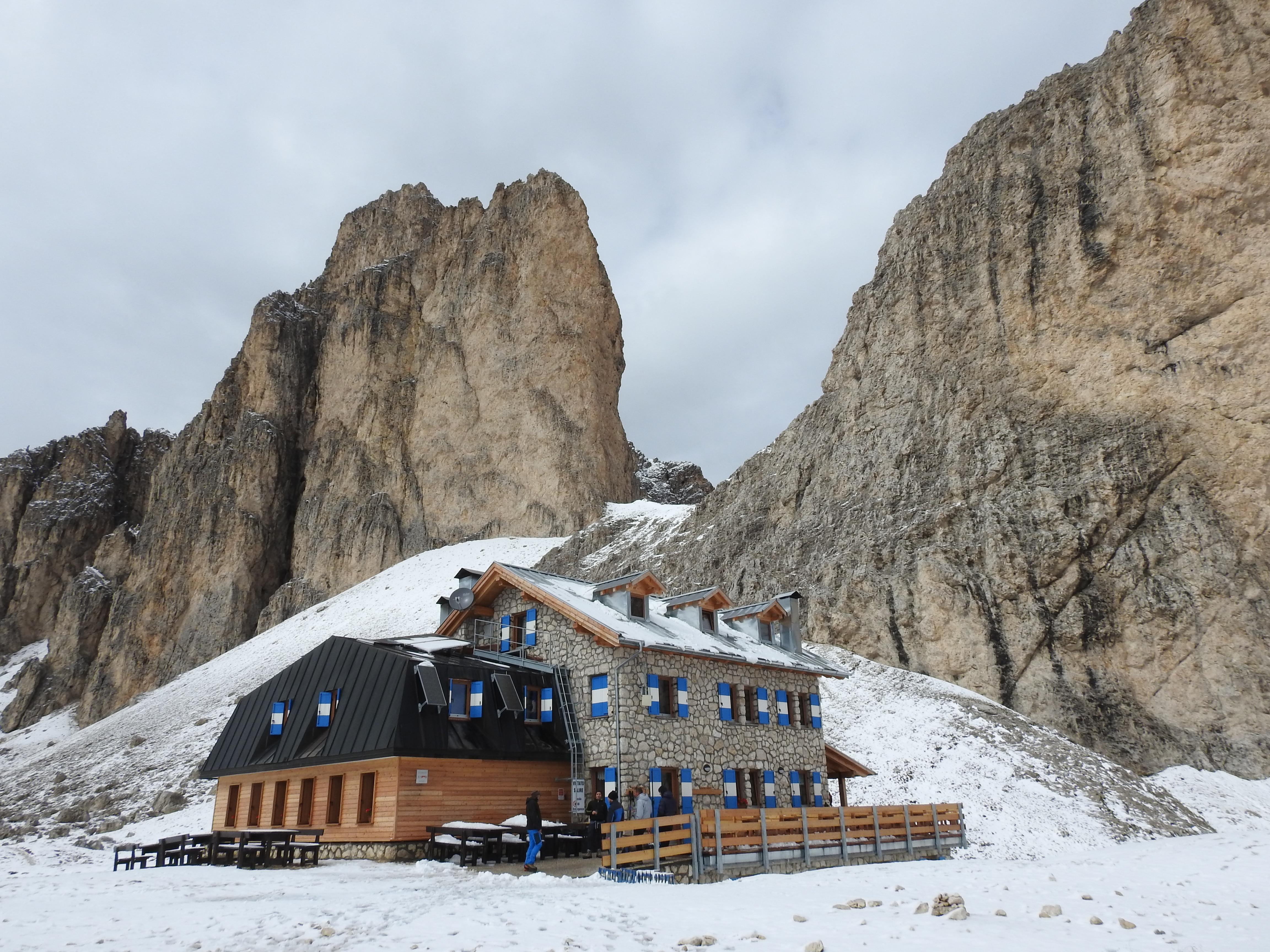 Photo of Gruppo del Catinaccio, inaugurato il nuovo rifugio Antermoia