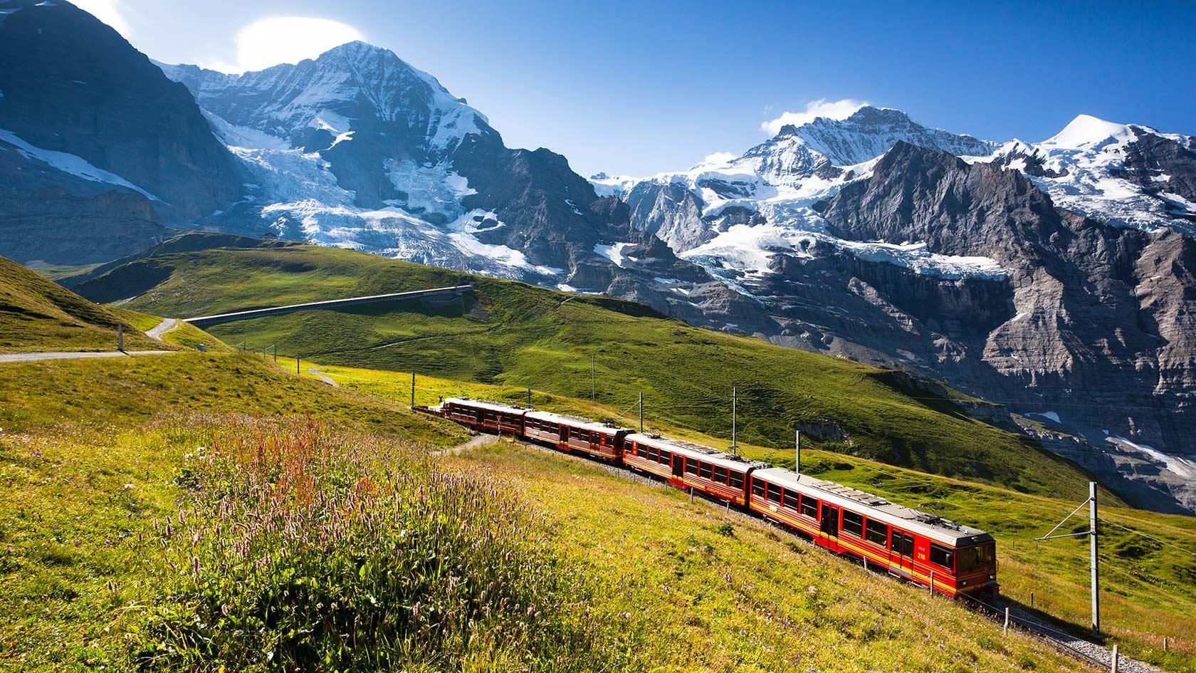 Photo of I Paesi alpini amano viaggiare in treno