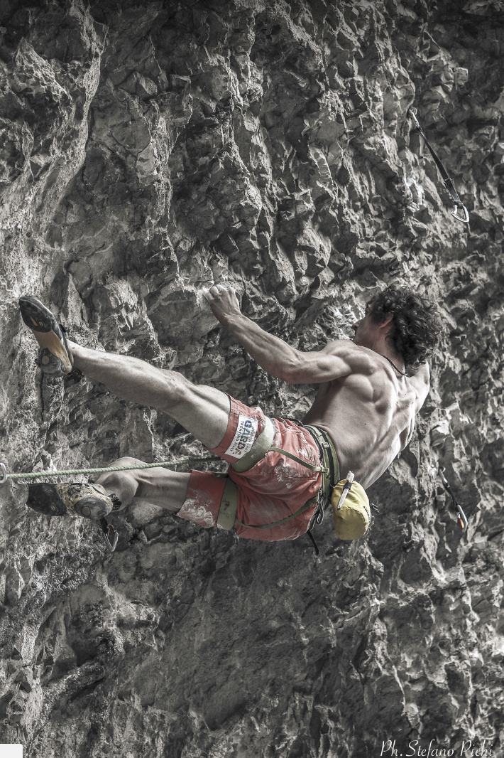 Photo of Adam Ondra libera il suo settimo 9b e sale un 8c+ a vista