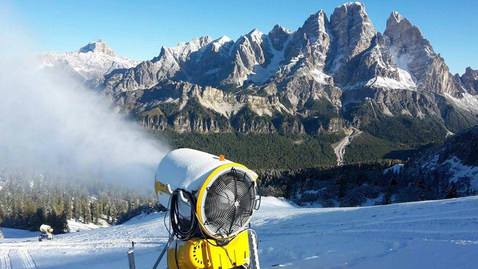 Photo of In funzione i cannoni sparaneve in Dolomiti