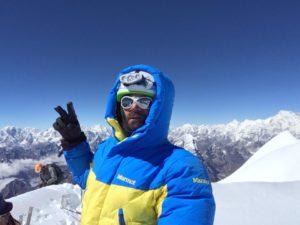 L'alpinista svedese Vaggo Schjölin in vetta il 27 ottobre. Photo @ Vaggo Schjölin Facebook page