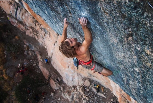 Photo of Sharma ripete Joe Mama (9a+) a Oliana