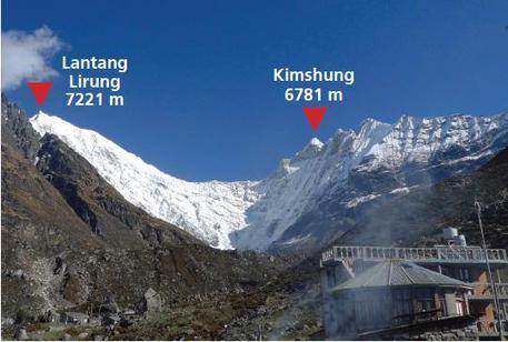 Photo of Cazzanelli ferito da una raffica di pietre mentre tentava l'inviolata cima del Kimshung