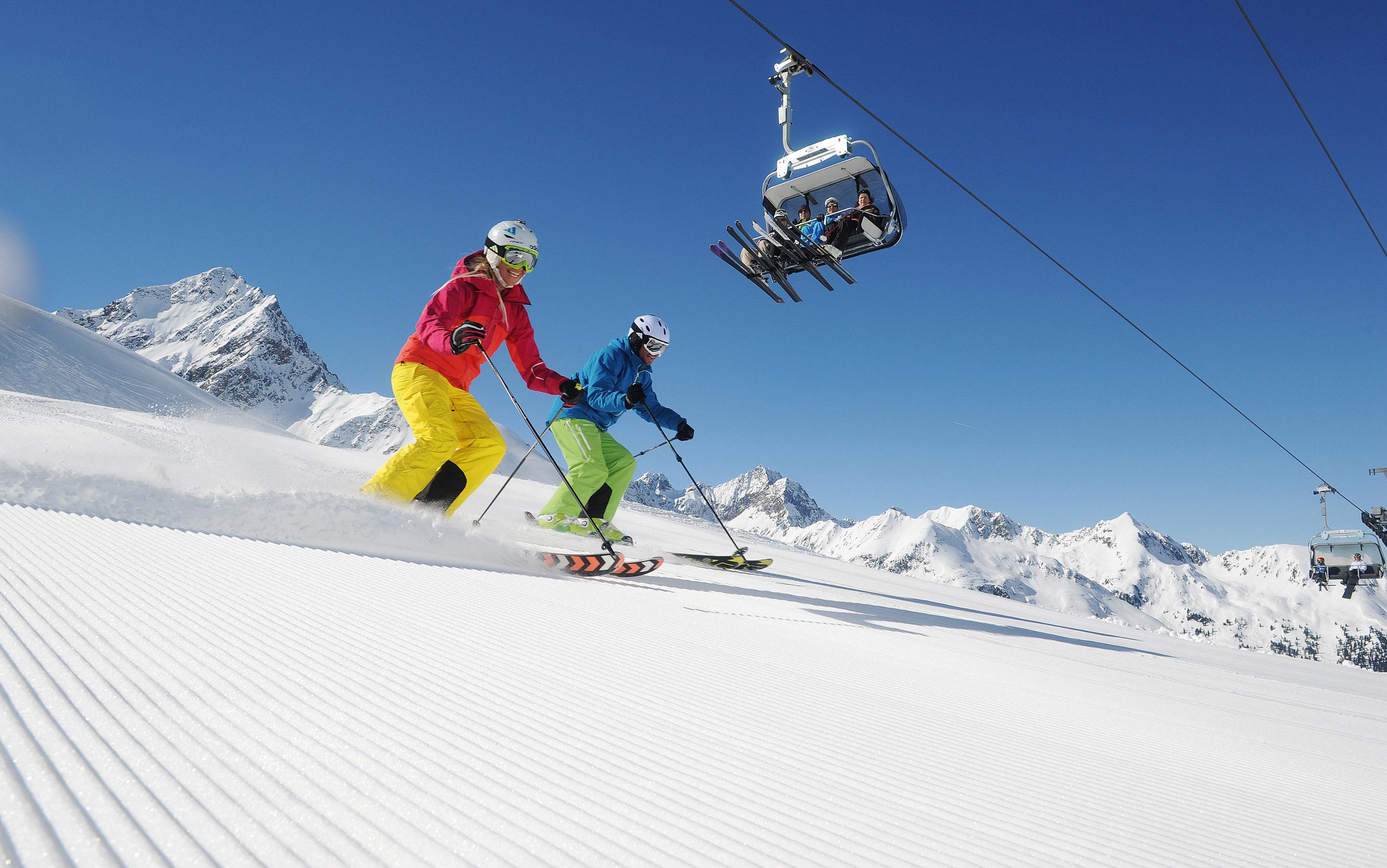 Photo of Sciare a Innsbruck: 300 chilometri di piste e 90 impianti di risalita tra cui quello disegnato da Zaha Hadid