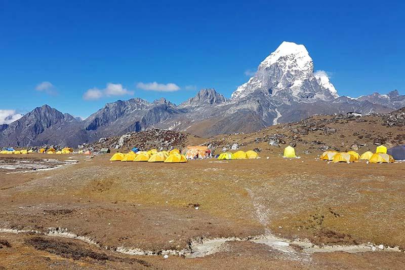 Photo of Nepal, riapre la regione dell'Everest e arrivano le prime spedizioni