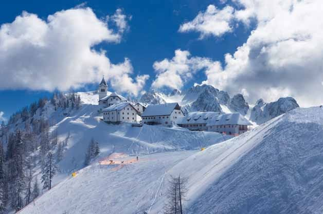 """Photo of Schneider di Federalberghi Fvg: """"Bisogna ripensare al turismo invernale in montagna senza neve"""""""