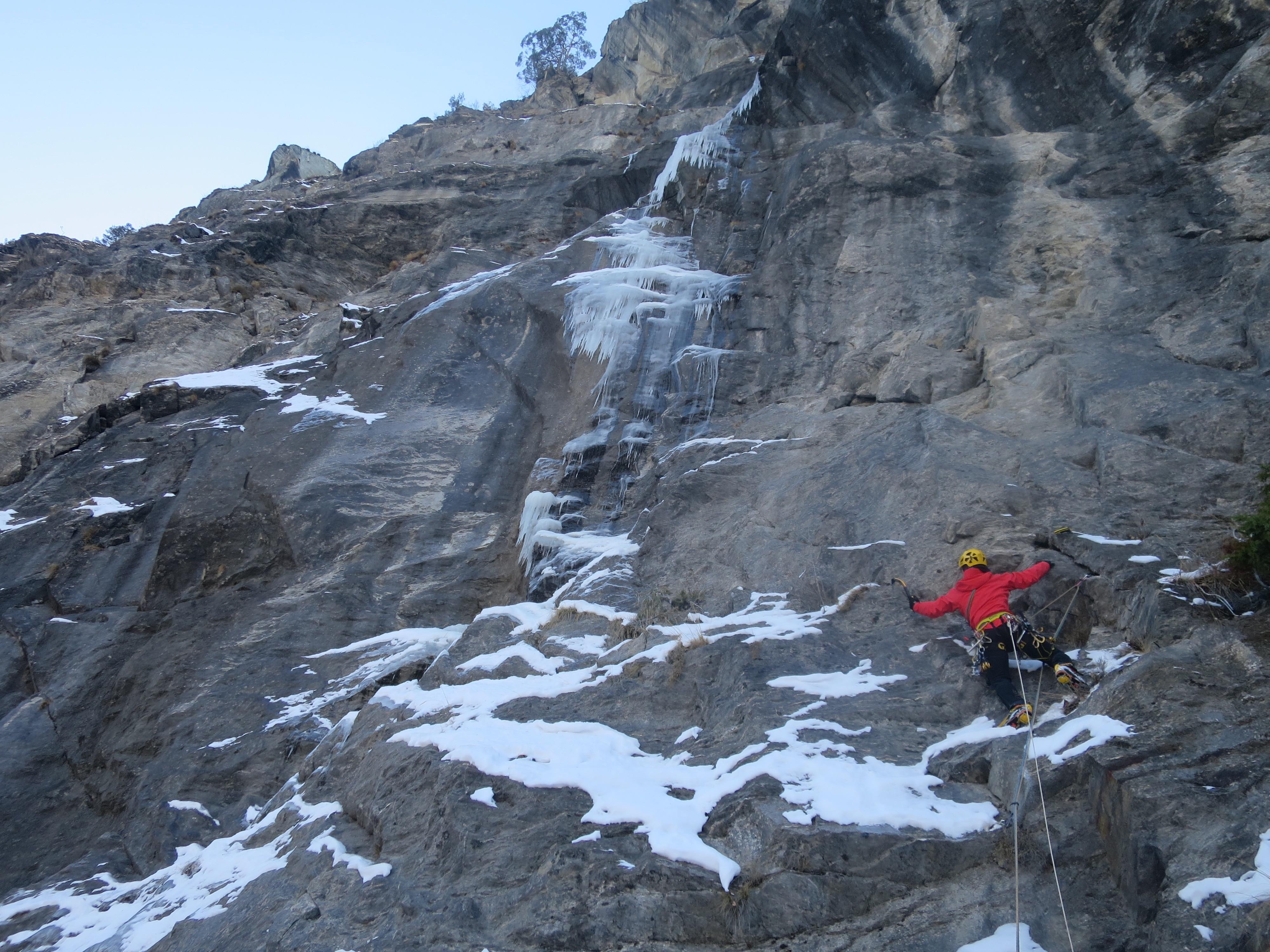 """Photo of """"Livello Inferiore"""" e """"Nuovi Orizzonti"""" due nuove linee di ghiaccio in Valtournenche"""