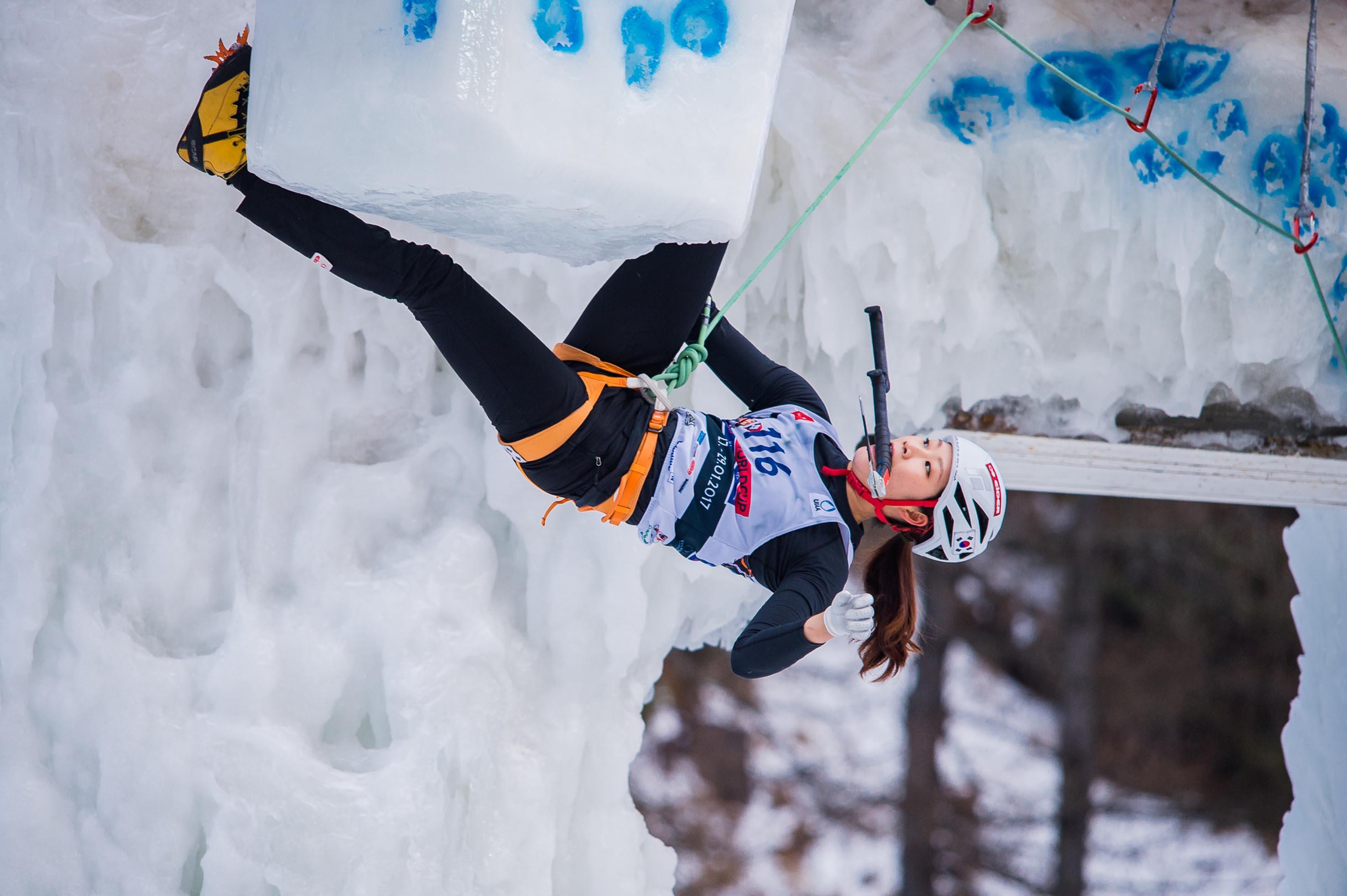 Photo of La tappa di Corvara della Coppa del Mondo di ice climbing è una festa sudcoreana