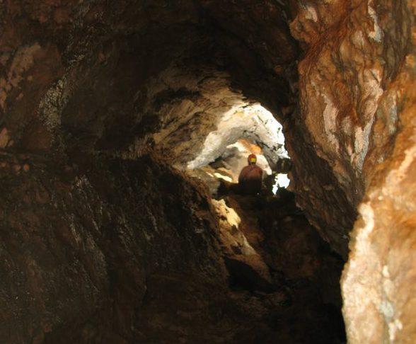 Photo of Lieto fine per tre speleologi entrati nell'Abisso del Corno di Campo Bianco