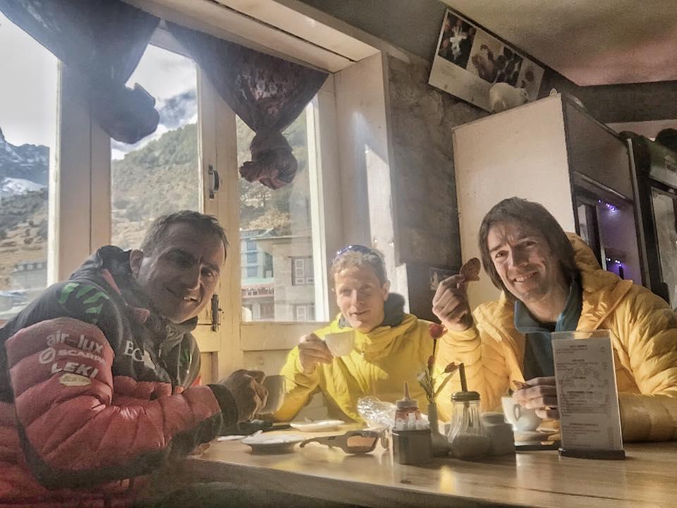 Photo of Barmasse, Göttler e Steck insieme nella Valle del Khumbu