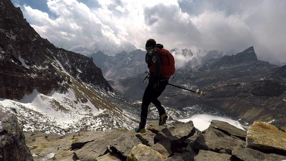 Photo of Ueli Steck termina con gli ultimi 60 km e 3500 m di dislivello ed è pronto per la primavera