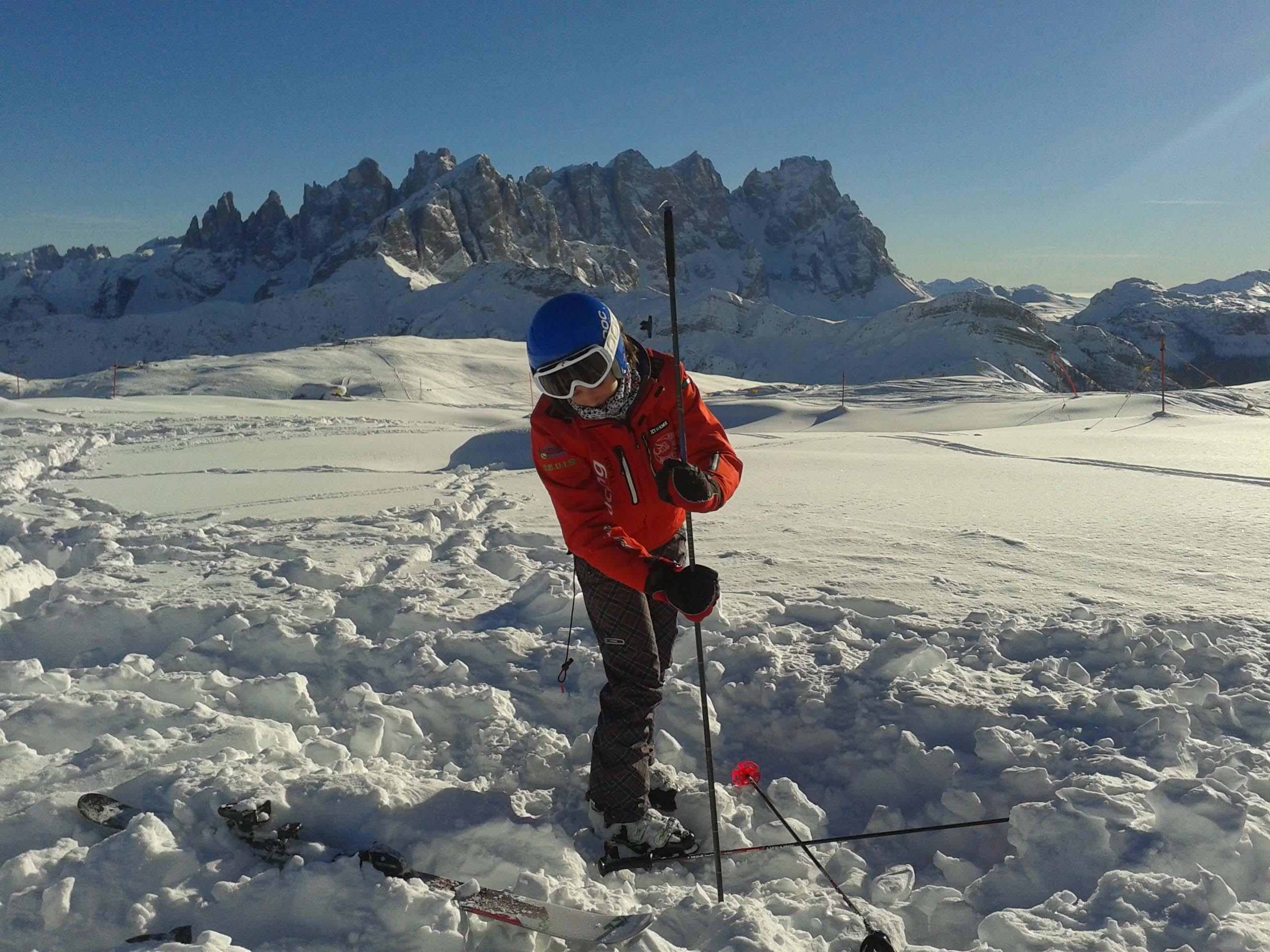 Photo of Sul Col Margherita, a 2300 metri, un campo ARTVA del CAI