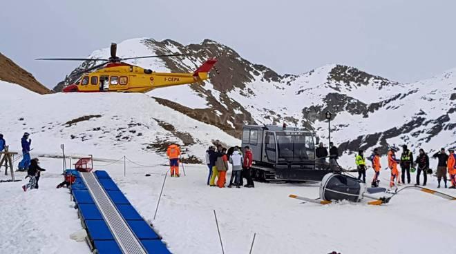 Photo of Foppolo, elicottero cade sulle piste da sci