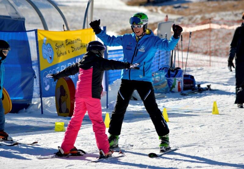 """Photo of Grazie al """"Progetto Emma"""" i bambini disabili imparano a sciare"""