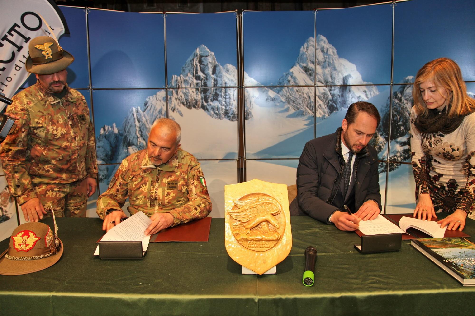 Photo of Sicurezza in montagna: siglato l'accordo tra AINEVA e Meteomont