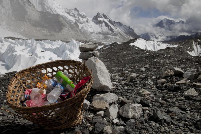 Photo of Il governo nepalese agli alpinisti: uno sforzo comune per ripulire il tetto del mondo