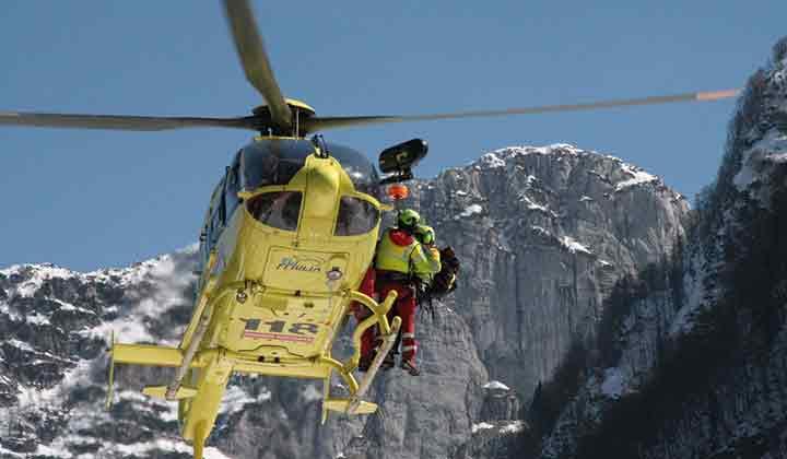 Photo of Cade un escursionista. Intervento del Soccorso Alpino della Valcellina nei pressi di Erto