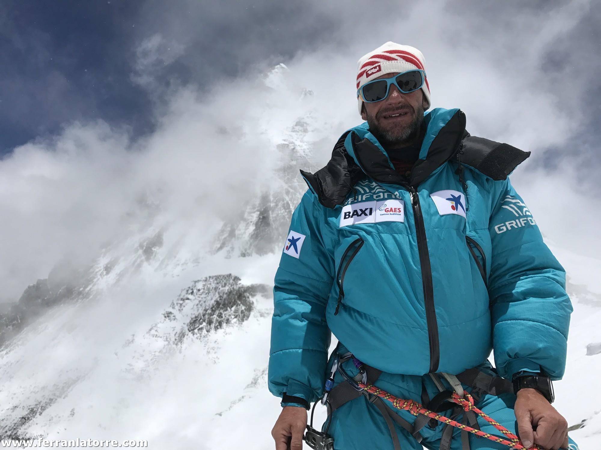 Photo of Vetta per Ferran Latorre: l'Everest regala una triplice soddisfazione al catalano