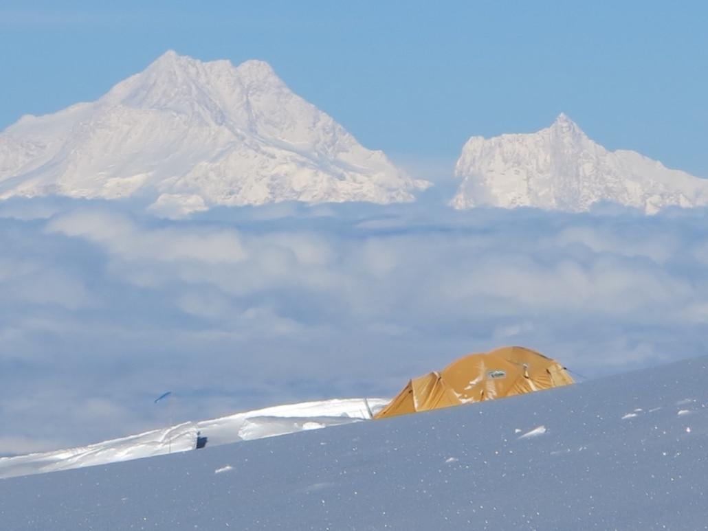 """Photo of Cameraman italiano """"evacuato"""" dal campo base del Kanchenjunga? Intanto i primi tentativi alla vetta"""