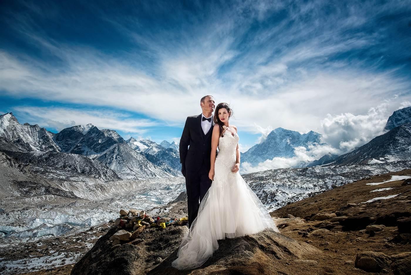 Photo of Matrimonio sull'Everest, se l'amore non ha quota