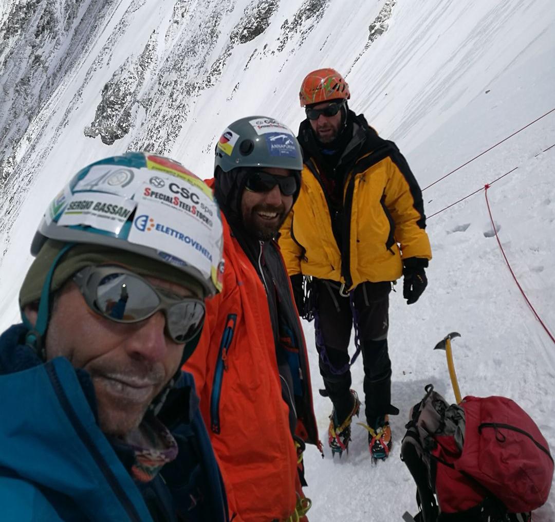 Photo of Lhotse: in vetta Viemo, Bonaiti e Valentini