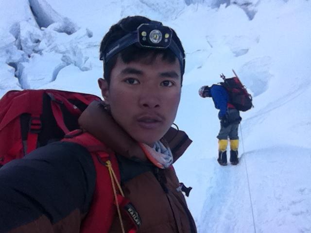 Photo of Everest, la stagione si chiude all'insegna delle polemiche che riguardano gli sherpa