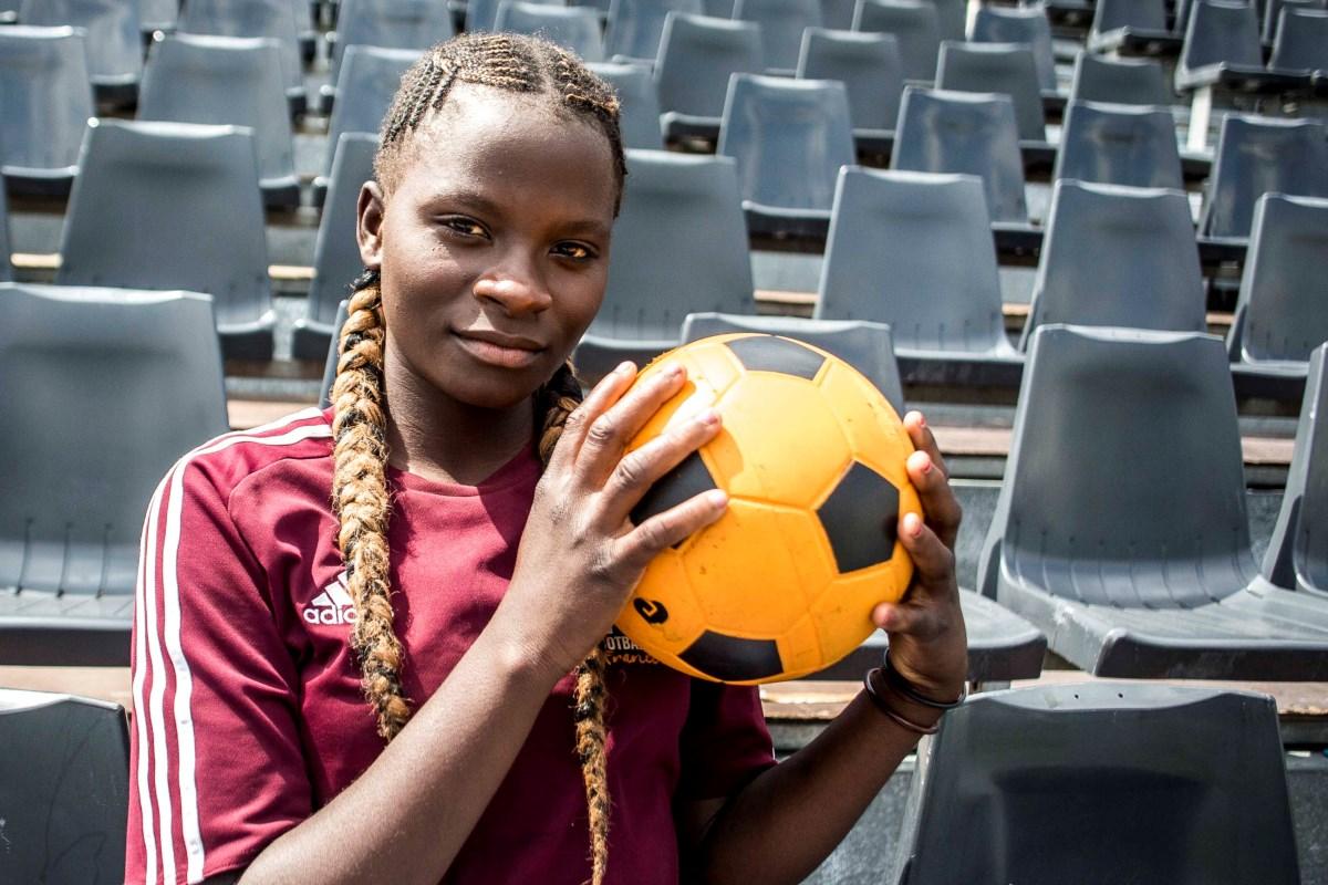 Photo of Una partita di calcio sul Kilimangiaro contro il sessismo nello sport