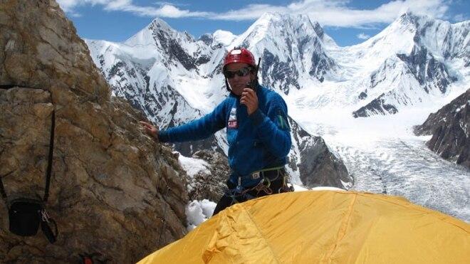 """Photo of Oscar Cadiach e il """"suo"""" Broad Peak, per completare gli 8.000 senza ossigeno"""